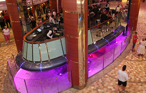 Rising Tide Bar on the Oasisi of the Seas